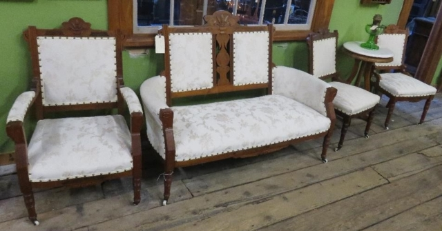 White parlor set (4 chairs with couch)